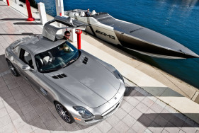 Simply amazing! Escort models, a speed boat and the SLS AMG