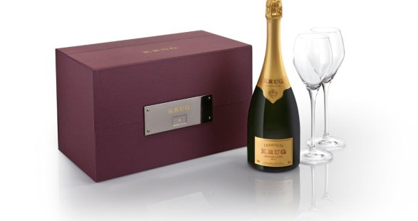 The Krug en Voyage comes in an elegant leather sleeve - ideal for your sparkling escort date.