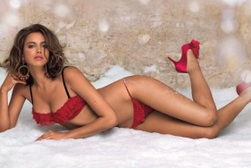 Escort Lady in Red - Our hot escort ladies have different sets of red lingerie that they'd like to present to you personally ...