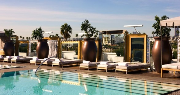 With your hot escort model by the pool of the feudal luxury hotel SLS in Beverly Hills ... what more could men want?