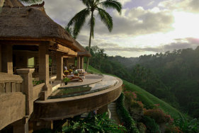 Your escort date in the luxury resort Viceroy Bali