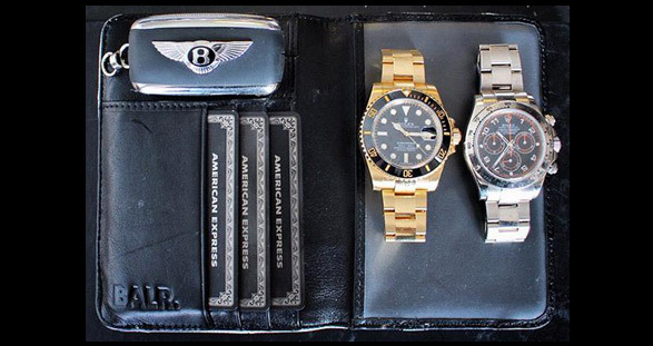 """The """"luxury toolbox"""" contains everything you need for your VIP escort date!"""