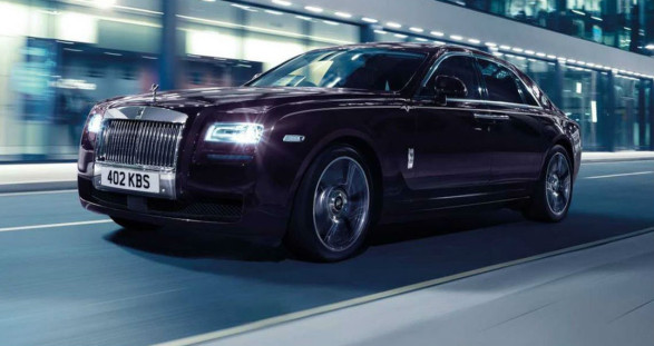 The new Rolls-Royce Ghost V-Specification – The perfect way to pick up your VIP escort for your hot escort date at home.