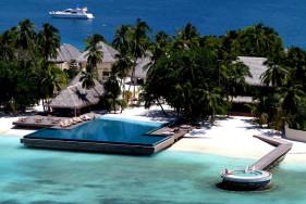 An escort holiday in paradise - Huvafen Fushi Maldives