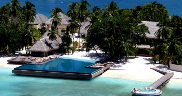 An escort holiday in paradise - Huvafen Fushi Maldives